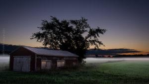Grange embrumée - Misty barn